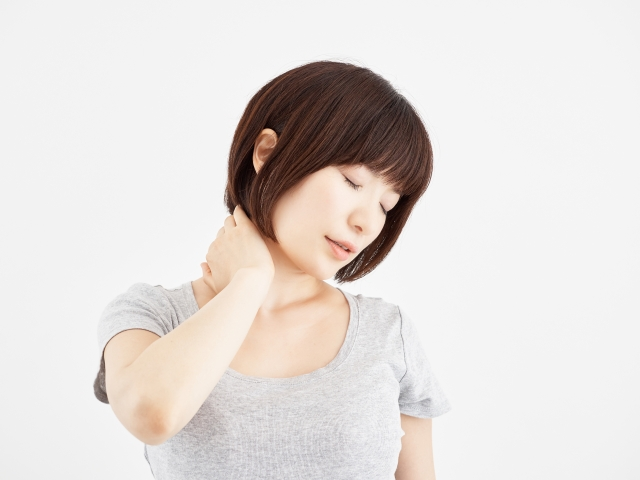 頭痛や肩こりの原因